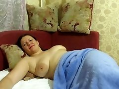 mother slept with beads in her pussy