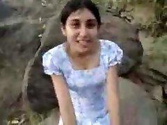 Sri Lankan Girl Give Oral Sex