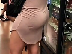 Milf with nice jiggly ass