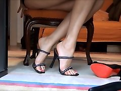 high stilettos live cam