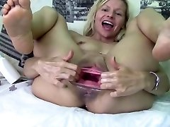Huge Vulva Gape Part-1