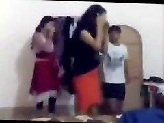 बांग्लादेशी नृत्य पार्टी