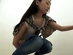 Fetish asian pissing