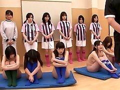 सेक्सी लड़कियों को नग्न कर रहे हैं और अभ्यास कर रहे हैं,
