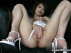 미친 포르노스타 Saki Ootsuka 에서 최고의 솔로 여자,딜도/장난감 포르노 클립
