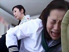 जापानी पिटाई करते हुए 4