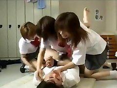 Dildo joukkopano 3 japanilaiset koulutytöt
