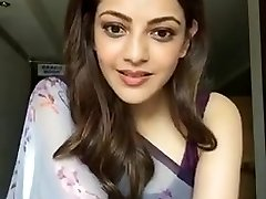 Kajal Aggarwal Showing Armpits and Pointer Sisters in Sleeveless Saree