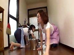 जापानी माँ में कानून लड़की