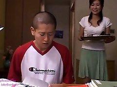 जापानी माँ Risa यू और बेटा 2 (MrBonham)
