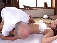 epouse japonaise soumise baisee प्रेमी pere तीन प्रतिभागियों का सम्भोग