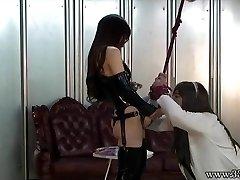 Japanilainen Femdom Emiru BDSM Strapon Vittu