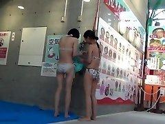 A gig of Kokomi toilet at swimming pool