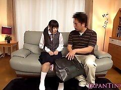 टिनी जापानी किशोर खिलौने के साथ गुदा भाड़ में जाओ