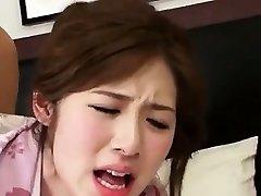 सेक्सी कोरियाई लड़की पीटने
