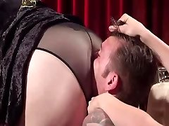 gimp lick dominatrixs ass