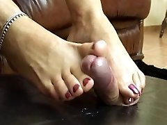 feet wank dominante