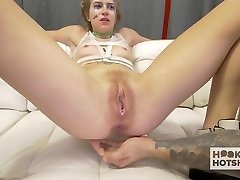Gorgeous Teen Meets Up For Fierce Anal Invasion