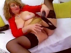 Horny Mature WebCam Self Knuckle Heel Insertion & Pokes Shoe - heelslovers@por