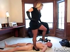 Mistress Dia Zerva pantyhose clad Domina