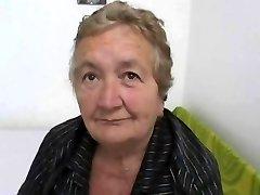 बिगाड़ने दादी इतालवी