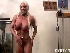 Ashlee Chambers Faps in the Gym