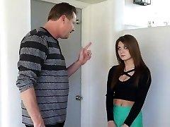 Hot Trinn-Datter Straffet Etter Festing