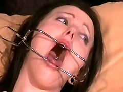 slutty emily sharpe dureros examen medical