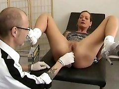 Obgyn freak fucks his sexy patient