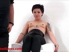 Ázijský otrok, Mei Maras lekárske fetiš a play piercing bdsm