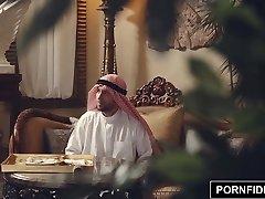 PORNFIDELITY Nadia Ali Áspero Musulmán Castigo Sexo
