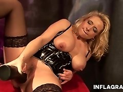 INFLAGRANTI German Mature Mistress