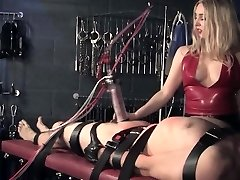 English femdom penalizes sub with machine
