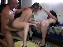 Tro Brutal Con Nadia Bryan Y Sol