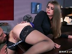 Kinky boss ravages bootyful and juggy secretary on the table