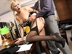 Secretary porked by her boss