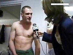 लॉकर कमरे में साक्षात्कार
