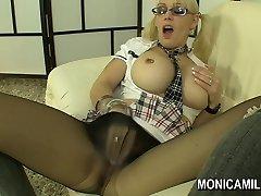 Norsk Monicamilf i en nylon panty slangen scene - Norsk