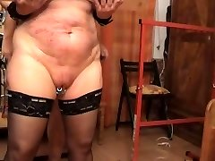 Fucking the gimp from behinde
