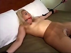 TRUSSED & FUCKED IN PANTYHOSE (estefania)