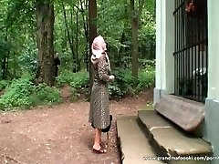 Granny gets tied and boinked