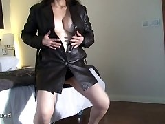 Horny unexperienced mom loves to get naughty