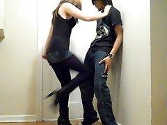 Ballbusting - Teen Brutale Rapida Kneeing!!