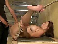 viazané bella v dungeonsex video