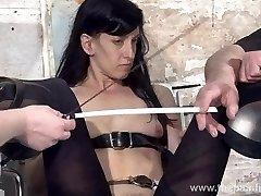 Noge mučenja slave Elise Grobov v ječo ropstva