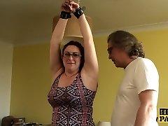 chubby britanski sub cumswallows po roughsex