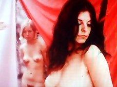 नग्न बालों वाली गुलाम
