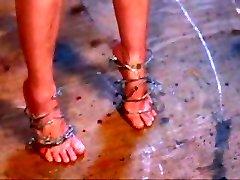 nuostabus kojų kankinimo