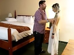 Ordering Room Service Hook-up Slave Blowage/Facial