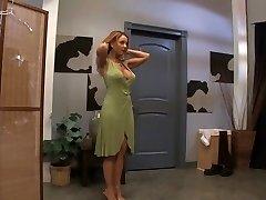 כוכבת פורנו חרמנית ג ' נט מייסון החמים, שלישיה, בוגרת הסרט
